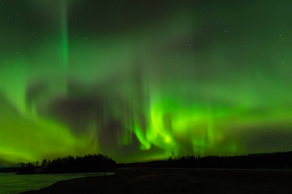 Aurora By Kashwitna Lake North of Willow. Photo By Jeff Ehlers.